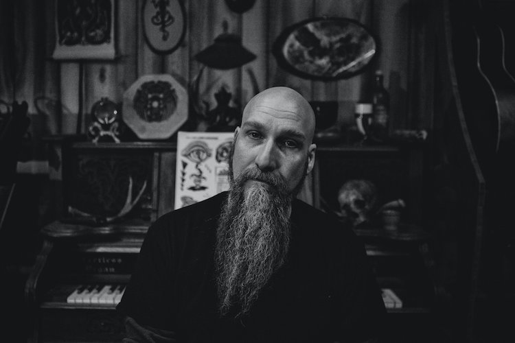 Read more about the article STEVE VON TILL (NEUROSIS) Video: 'Indifferent Eyes'