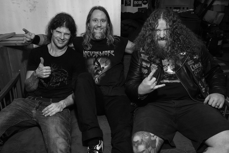 """OLD MOTHER HELL: Clip zu """"Avenging Angel"""""""