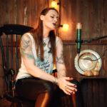 NIGHTWISH Sängerin FLOOR JANSEN – 'Alone' von HEART