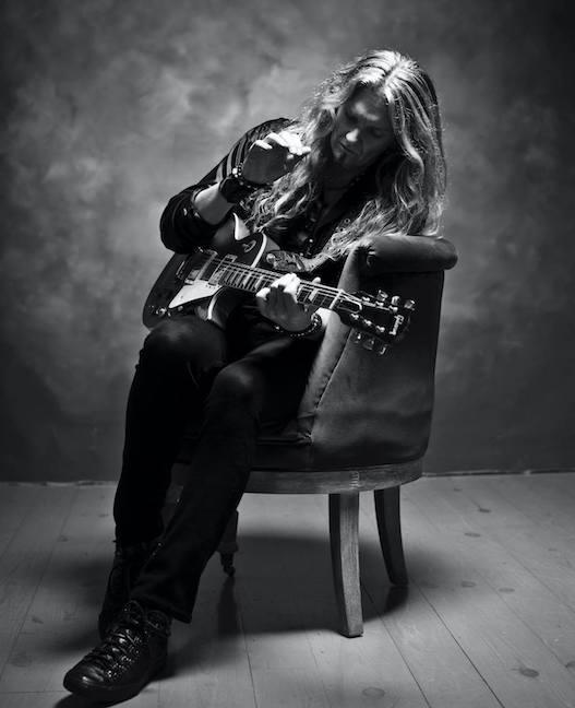 WHITESNAKE / TRANS-SIBERIAN ORCHESTRA Gitarrist JOELHOEKSTRA – 'Finish Line' Video