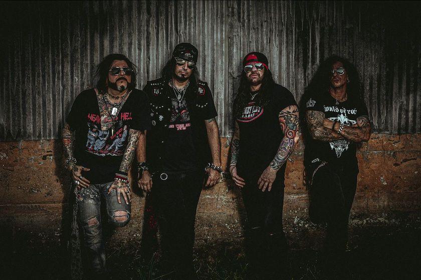 KICKIN VALENTINA – Rotz rockiges 'War' Video