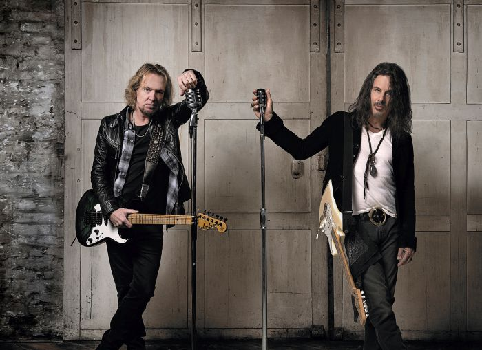 ADRIAN SMITH + RICHIE KOTZEN – Neues Video: 'Scars'