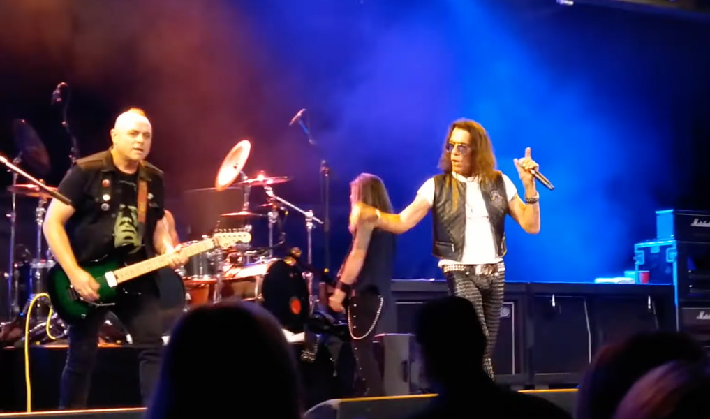 You are currently viewing STEPHEN PEARCY (RATT) teilt privates Liveshow Video