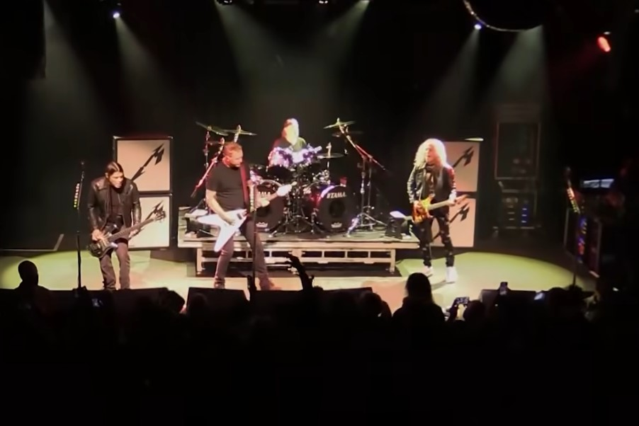 You are currently viewing METALLICA – teilen 'Whiplash' Video vom Überraschungs-Gig in San Francisco