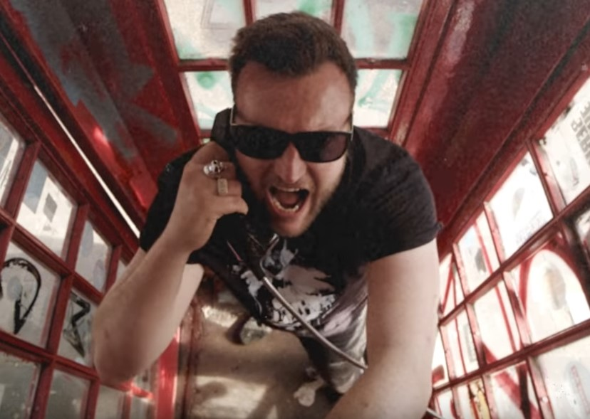 You are currently viewing THE DUST CODA – UK-Hard Rocker covern Blondie-Klassiker 'Call Me'