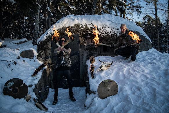 You are currently viewing SINIESTRO feat. Erik Grawsiö & Jens Järvinen – 'Blod eld död' Clip